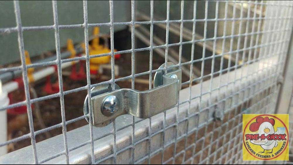 Mounting hardware for wire mesh installation of automatic chicken feeder
